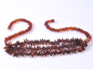 Дамски кехлибарен гердан микс от 5 цвята сурови парченца